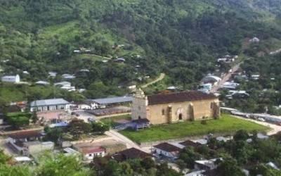 Huyen 190 personas tras ataque de un grupo armado en Chilón, Chiapas
